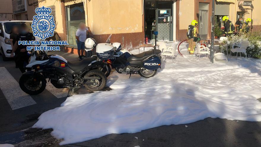 Detenido por rociar con gasolina un bar y a sus clientes en Alicante