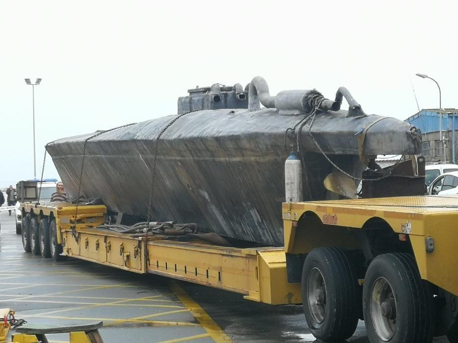 Trasladan el narcosubmarino a la Escuela Naval de Marín
