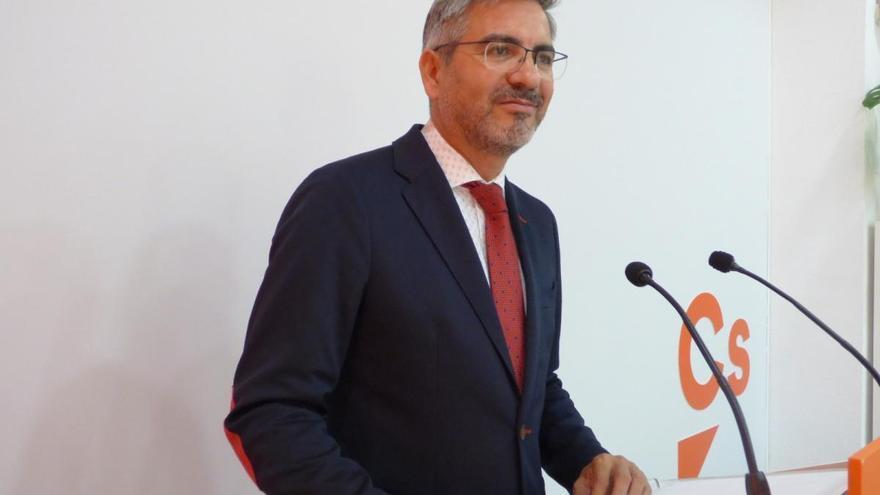 """Pozuelo (Cs) asegura que el consejero de Educación sufre """"bullying"""" por parte del PSOE"""