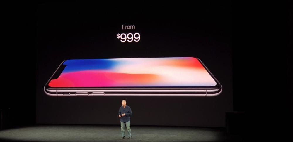 Y el iPhone X no supera la barrera de los 1.000 dólares en el modelo de salida.