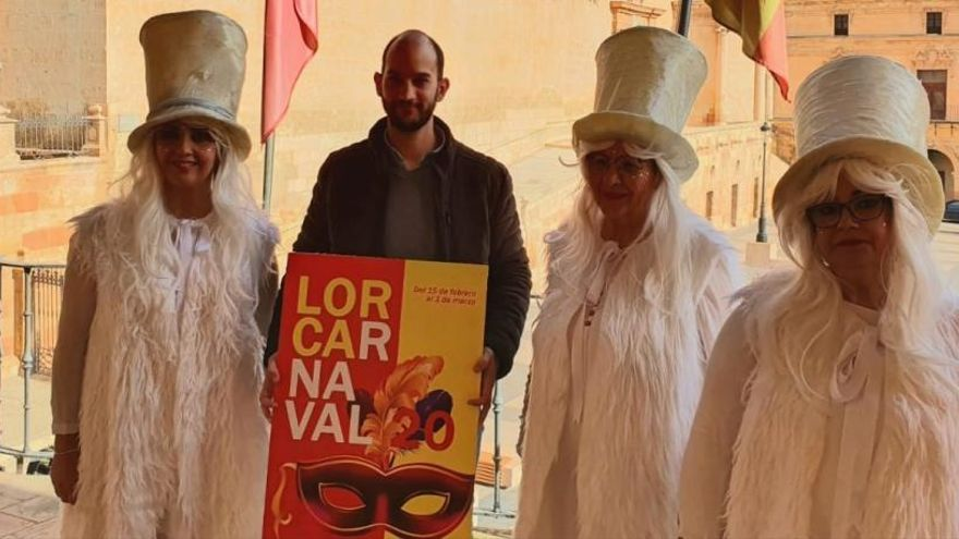Lorca se viste para el Carnaval