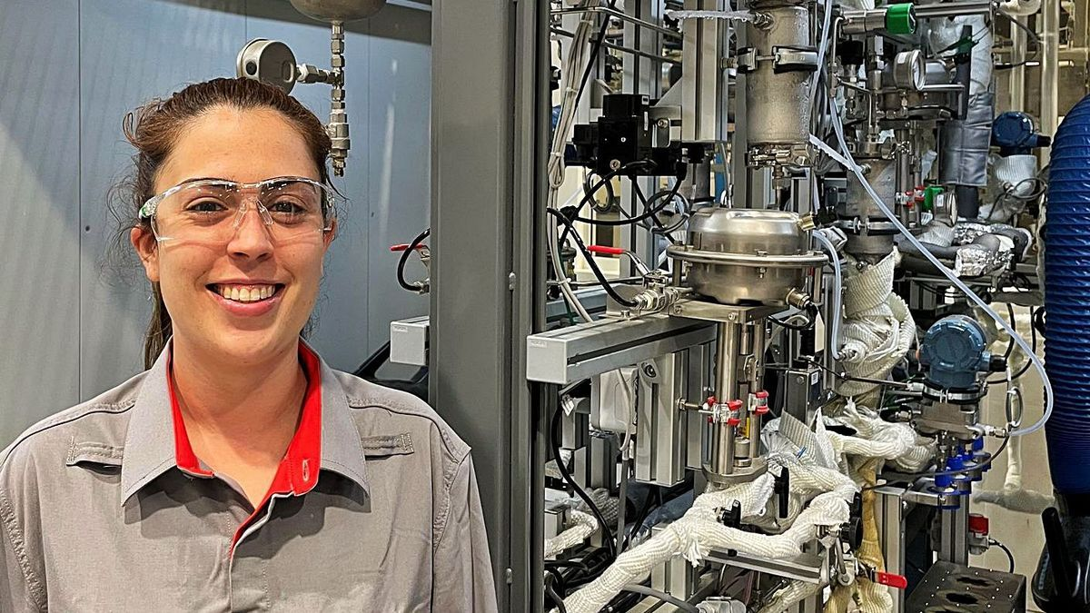 Virginia Torres en el Centro de Investigación Cepsa