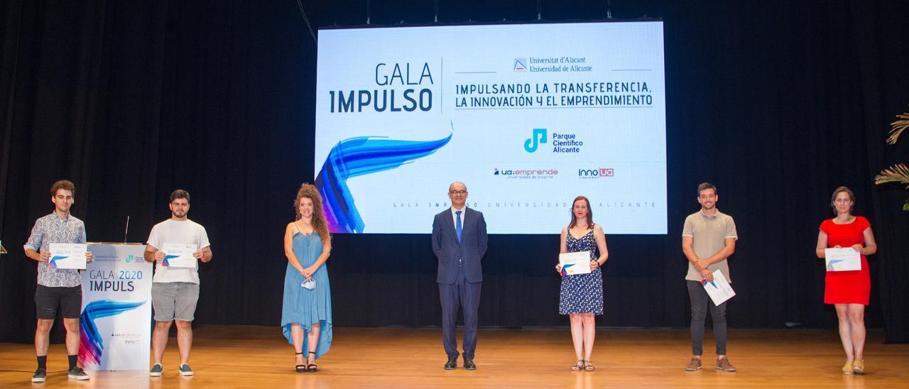 Entrega de los premios Impulso de la UA en la anterior edición