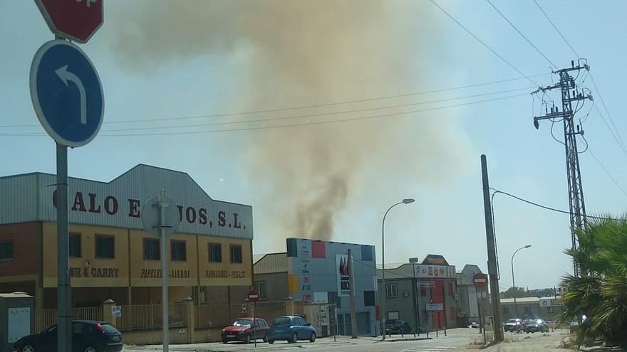 Arden diez hectáreas en el polígono de Las Quemadas