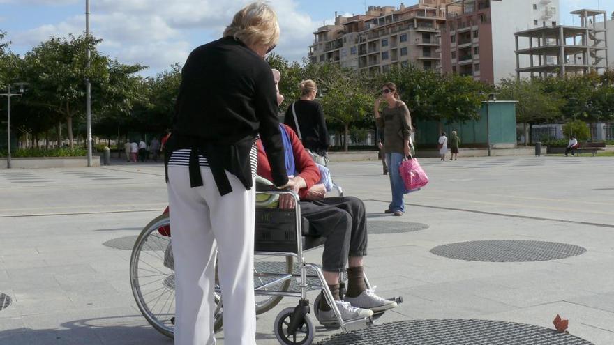 Baleares suspende con un 2,9 en atención a personas dependientes
