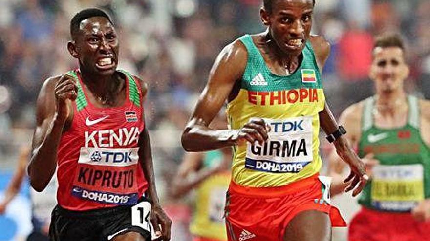 Kipruto revalida la victòria a la prova dels 3.000 obstacles i Carro és onzè