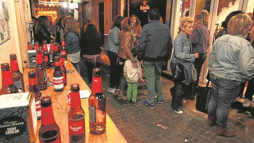 Los bares facturan un 40% menos al reducir terrazas y limitar el alcohol