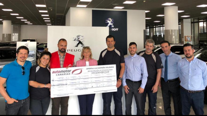 Automotor Canarias dona 1.558 euros a Cruz Roja y Médicos del mundo