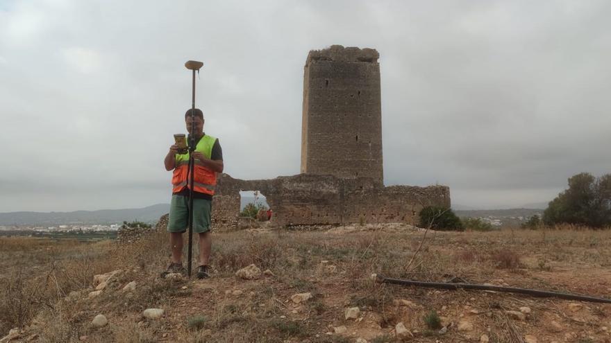 Llombai reclama subvenciones para evitar el derrumbe de la torre Aledua
