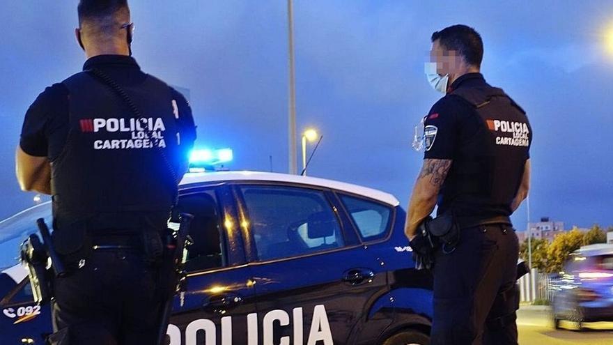 Batalla campal en un restaurante de La Manga: rompen una botella en la cabeza a un hombre