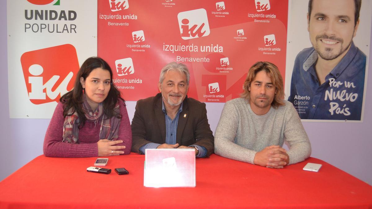 Integrantes de Izquierda Unida Benavente. / E. P.