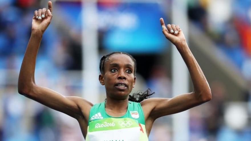 Olimpiadas atletismo Río 2016: La etíope Ayana, medalla de oro y récord mundial en los 10.000 metros