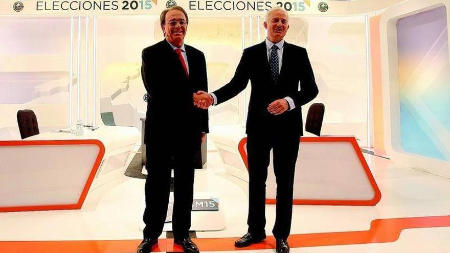 Pérez Anadón hace las propuestas y Suárez se concentra en la crítica