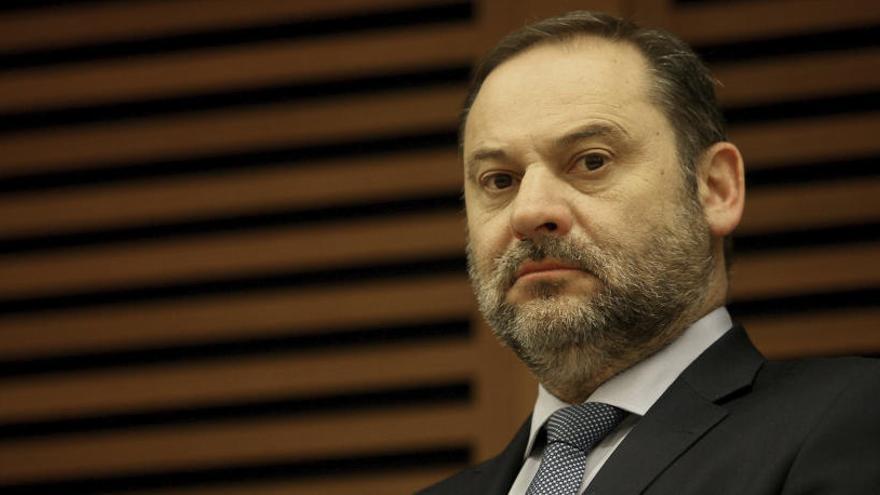 Ábalos recibe a un ministro de Maduro en secreto