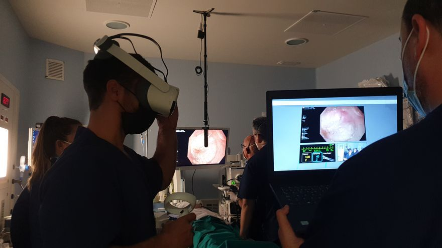El Hospital QuirónSalud realiza endoscopias asistidas con tecnología 5G