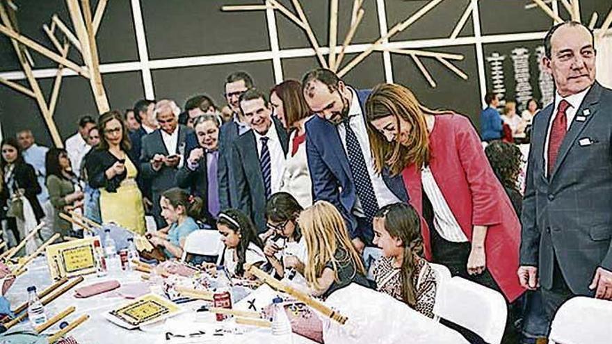 La XXVII Mostra do Encaixe de Camariñas arranca con representantes de 17 países