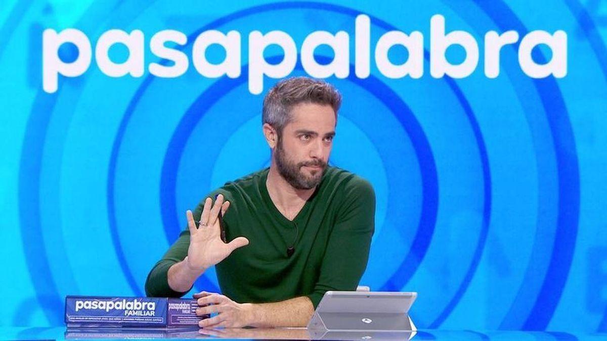 La trampa realizada en Pasapalabra obliga a Roberto Leal a intervenir durante la celebración del programa.