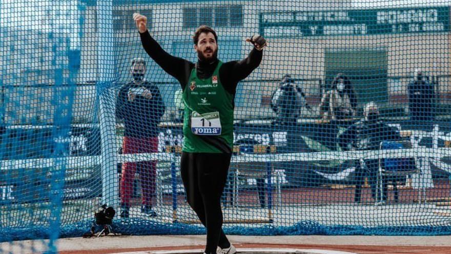 Javier Cienfuegos logra un mejor lanzamiento de 76,59 metros en Andújar