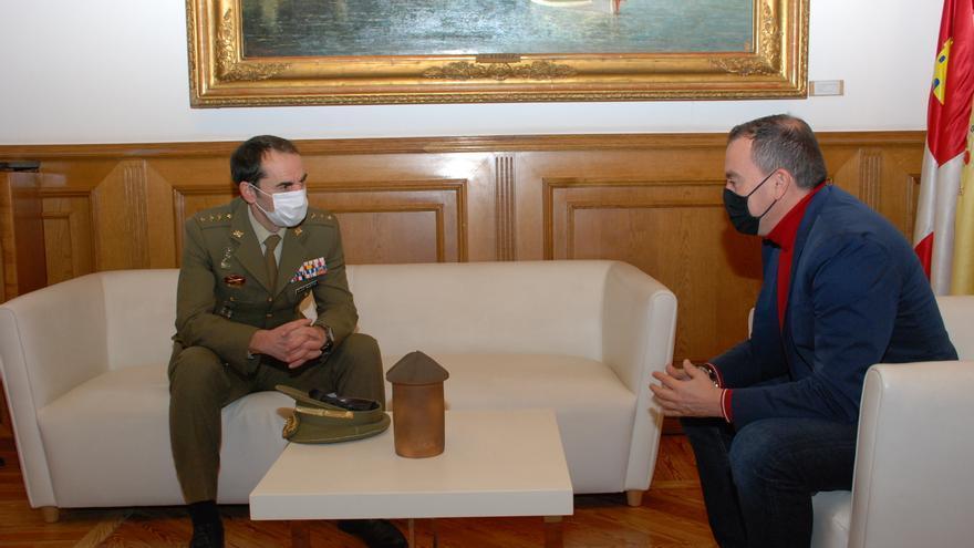 Requejo recibe al nuevo subdelegado de Defensa de Zamora