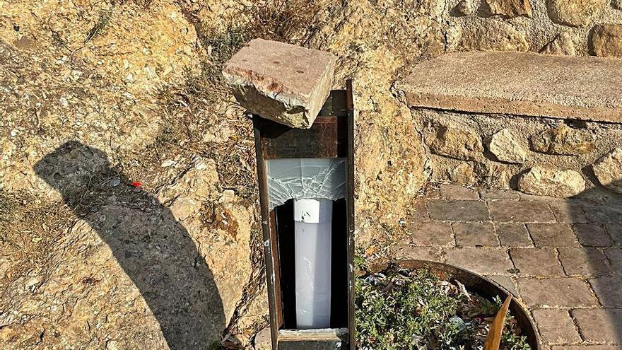Destrozan a pedradas las luces del entorno del templo de San Juan