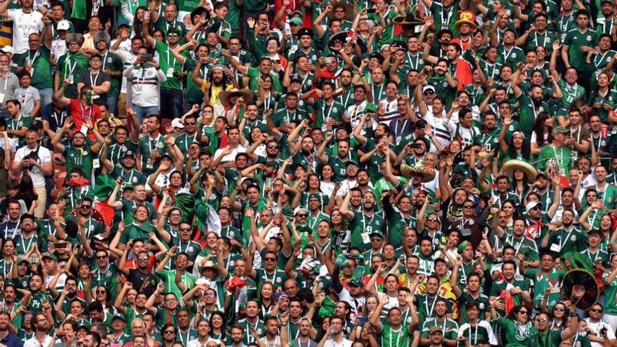 FIFA abre un procedimiento a la Federación Mexicana por cánticos de los hinchas
