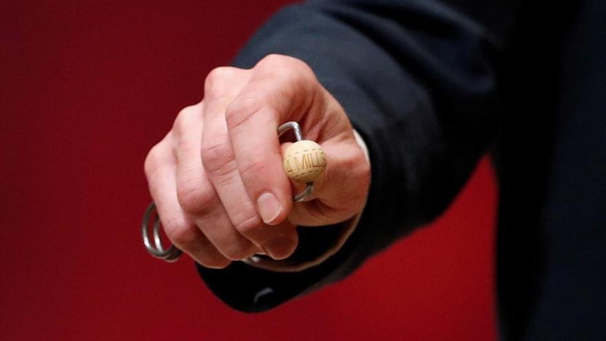 El 06.095, el segon premi, esquitxa Badalona, Vallirana i Palau-Solità