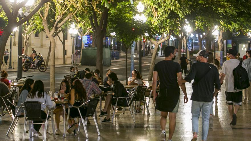 Alicante, Torrevieja, San Vicente y Elche concentran los contagios del fin de semana en la provincia