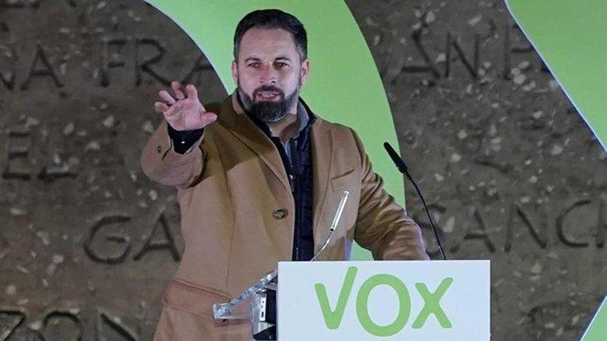 Vox mantendrá el veto a medios en sus sedes y suspenderá las ruedas de prensa si le obligan a rectificar