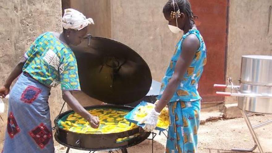 El gest de Platja d'Aro que millora la vida a desenes de dones africanes