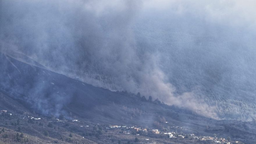 Explosión y apertura de una nueva boca en el volcán de La Palma