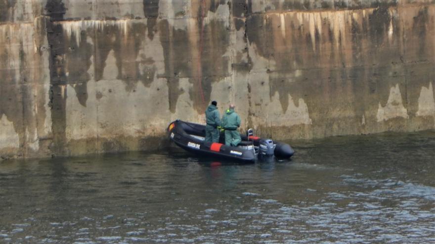 Los obstáculos bajo el agua dificultan la localización de un cuerpo en Ricobayo