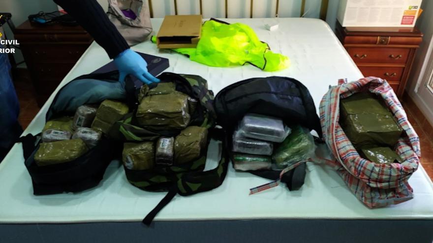 Desarticulan en Málaga y Córdoba una red que transportaba cocaína en dobles fondos en vehículos