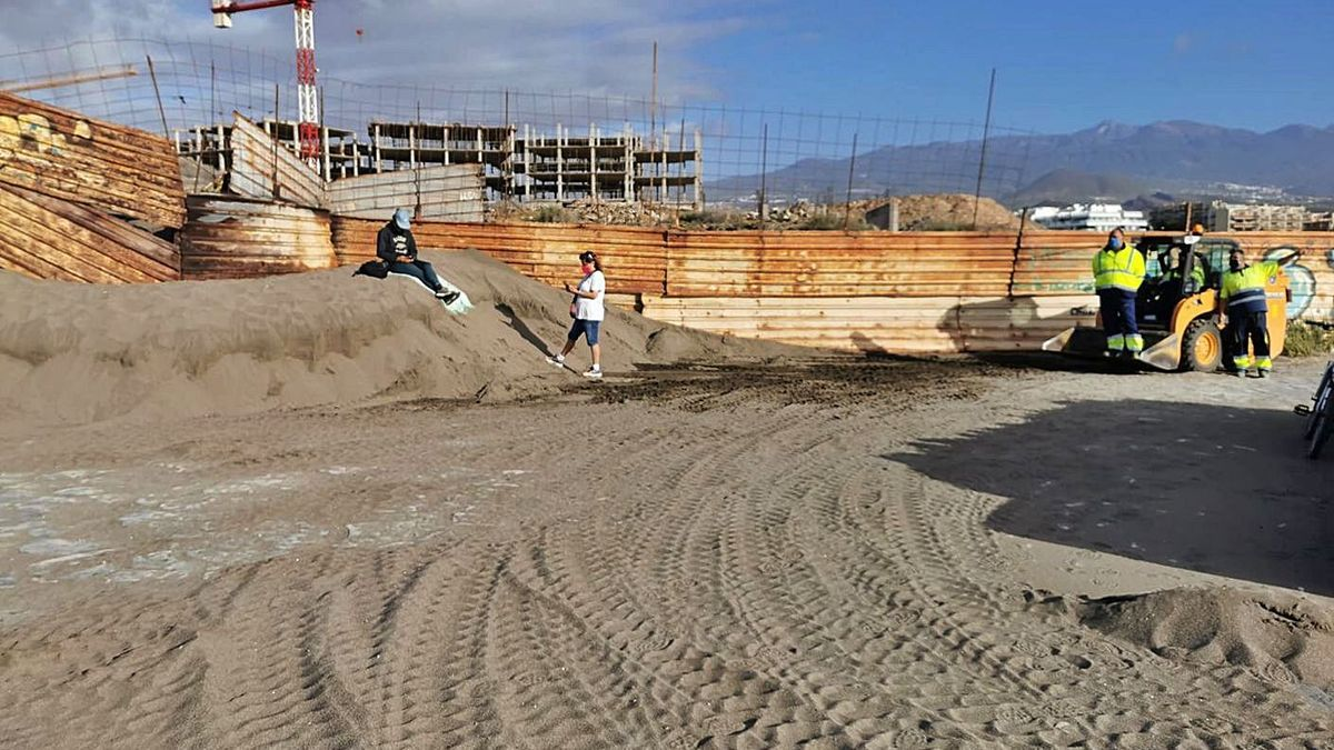 Retiran arena del paseo de La Tejita | SALVAR LA TEJITA