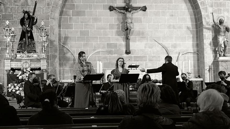 La Orquesta de Cámara de València pone en pie al público en Xàbia