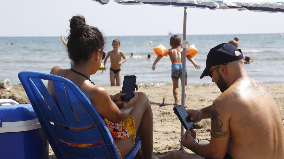 El 100% de las conexiones a internet se produce desde el teléfono móvil.