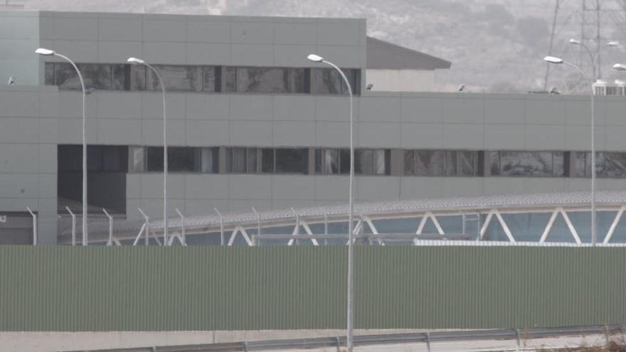 Muere una presa de la cárcel de Murcia aplastada por la puerta de su propia celda