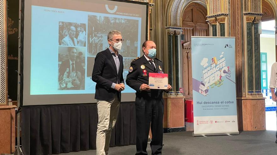 La Generalitat premia a Pedro Tenza, por una vida dedicada a la seguridad vial