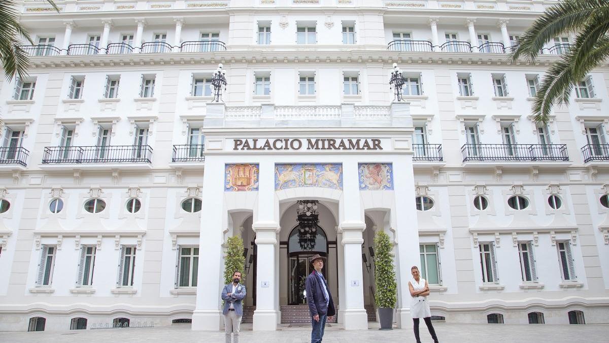 El escritor George Van Mellaert es de los primeros clientes del Gran Hotel Miramar tras su reapertura con la Fase 2.