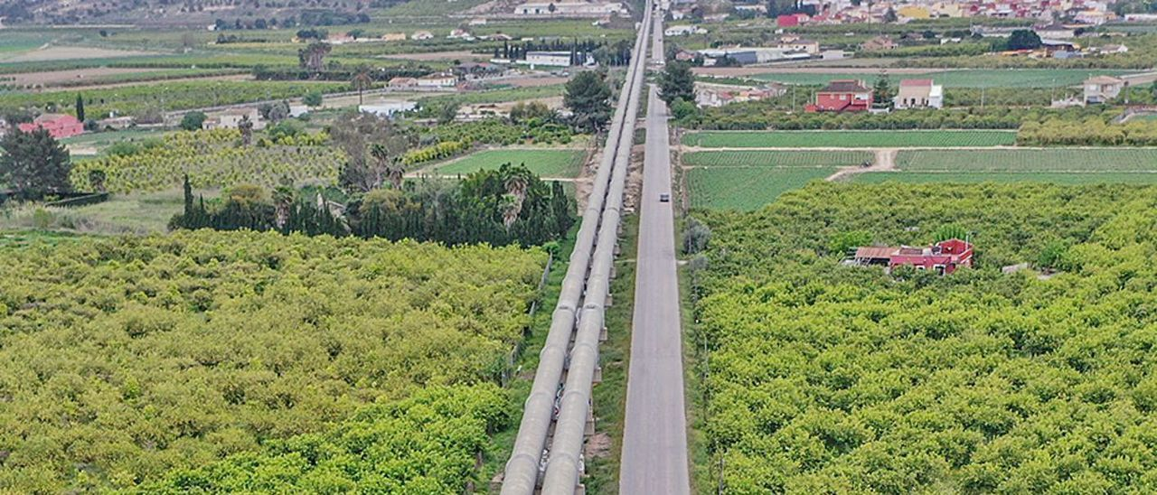 Infraestructura del trasvase Tajo-Segura en la comarca de la Vega Baja. | TONY SEVILLA