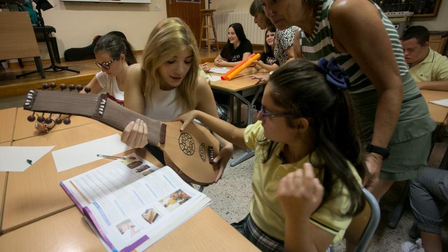 Educación crea los primeros Erasmus autonómicos para profesores
