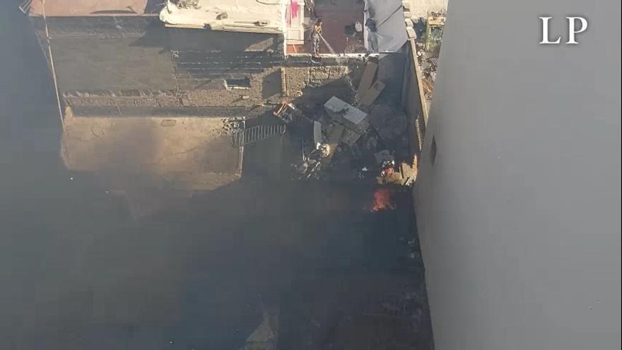 Un incendio en una casa abandonada alarma a los vecinos de Guanarteme