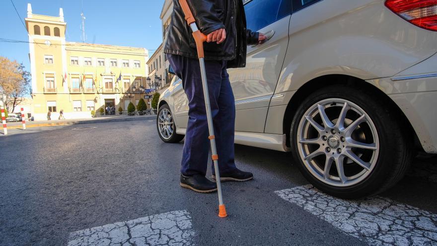 El Síndic pide a Suma que exima del impuesto de vehículos a un conductor discapacitado de Novelda