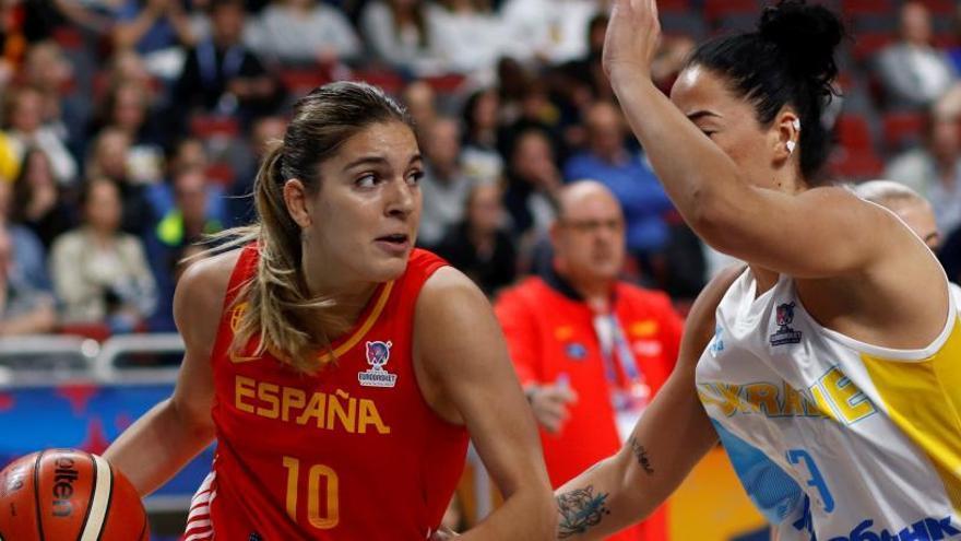 España avasalla a Ucrania para estrenarse con victoria