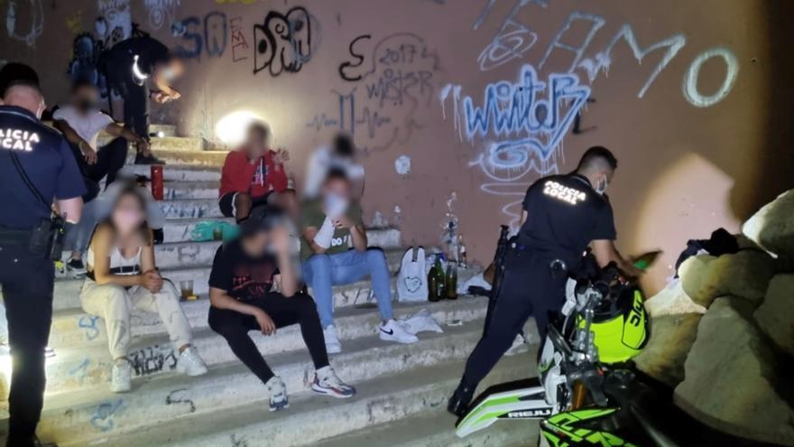 La Policía Local cierra el operativo del fin de semana con cien denuncias menos en Alicante