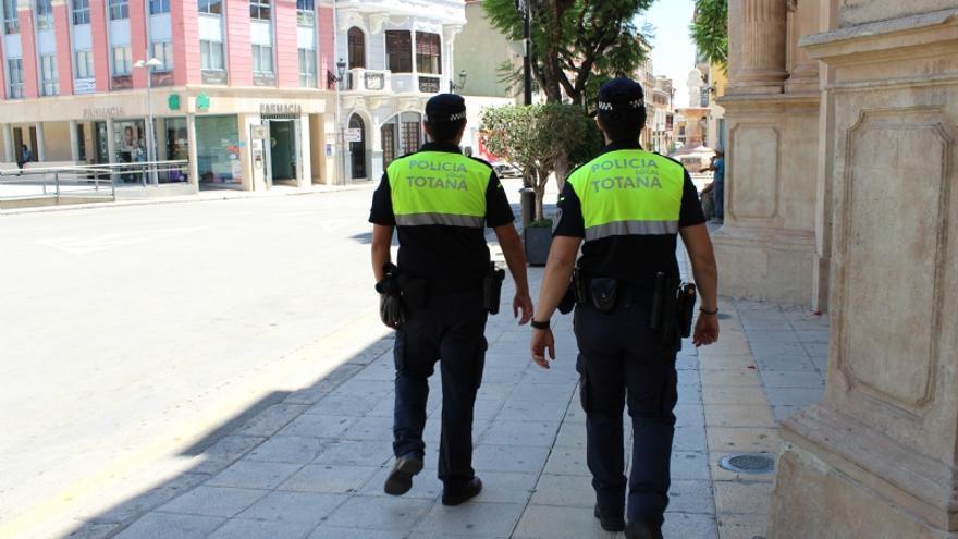 Acuchillan a otro joven en la calle en Totana, el segundo en una semana