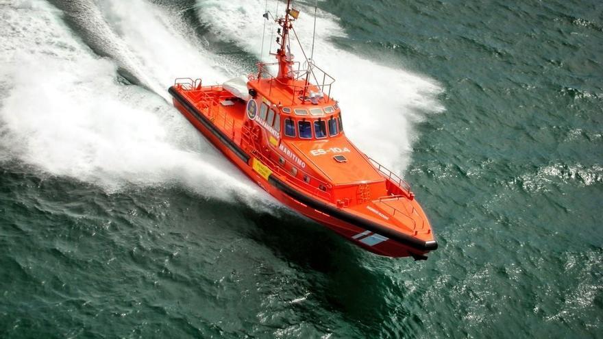 Salvamento rescata otra patera, la sexta del día en Canarias
