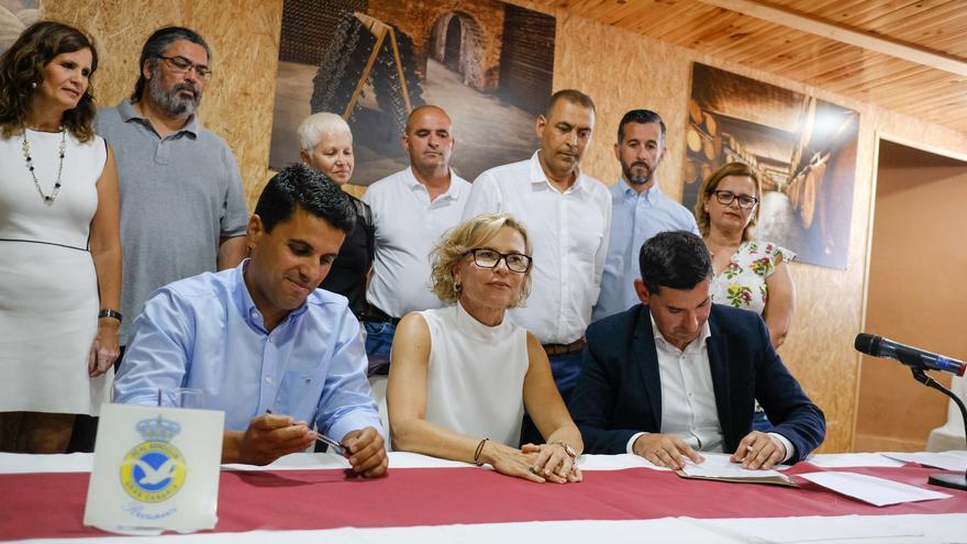 La alcaldesa negocia el intercambio de áreas solo entre el PSOE y Ciudadanos