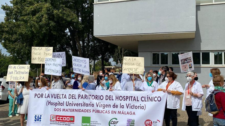Los sanitarios reclaman la vuelta del paritorio del Clínico