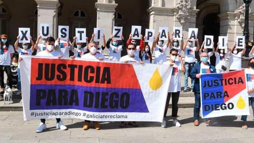 """Los padres de Diego Bello pedirán """"ayuda"""" a la Valedora do Pobo"""