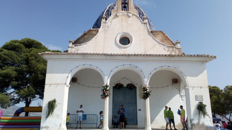El Ayuntamiento de Monóvar y el Obispado firman el convenio para recuperar la ermita de Santa Bárbara